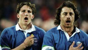 un giovanissimo Mauro con l'allora capitano azzurro Massimo Giovannelli